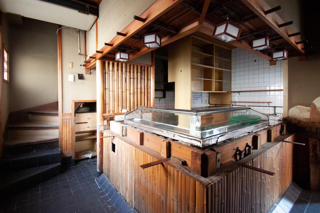 寿司屋の趣、そのままに [一棟ビル] (神戸市須磨区前池町の物件) - 神戸R不動産
