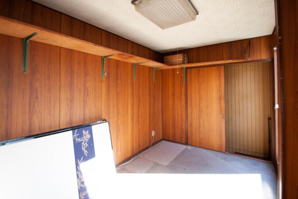 4階は小さな一室とルーフバルコニー