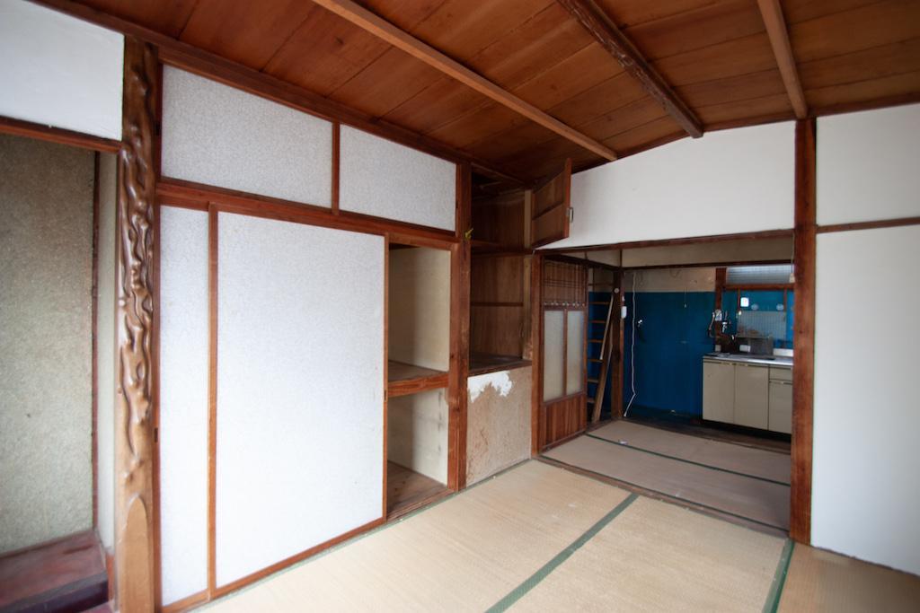2階は畳の張替えや壁の塗り替え程度で良いかも