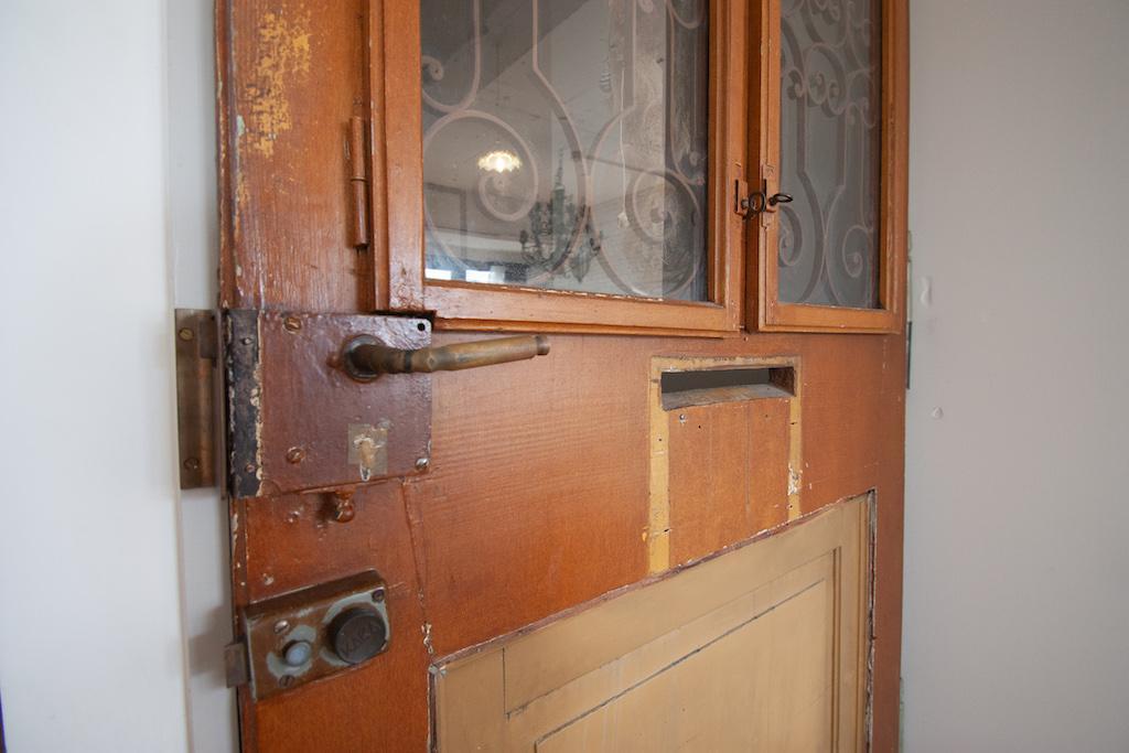 本物のアンティーク扉