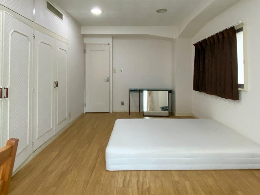 ご希望により家具も付きます(Room1)