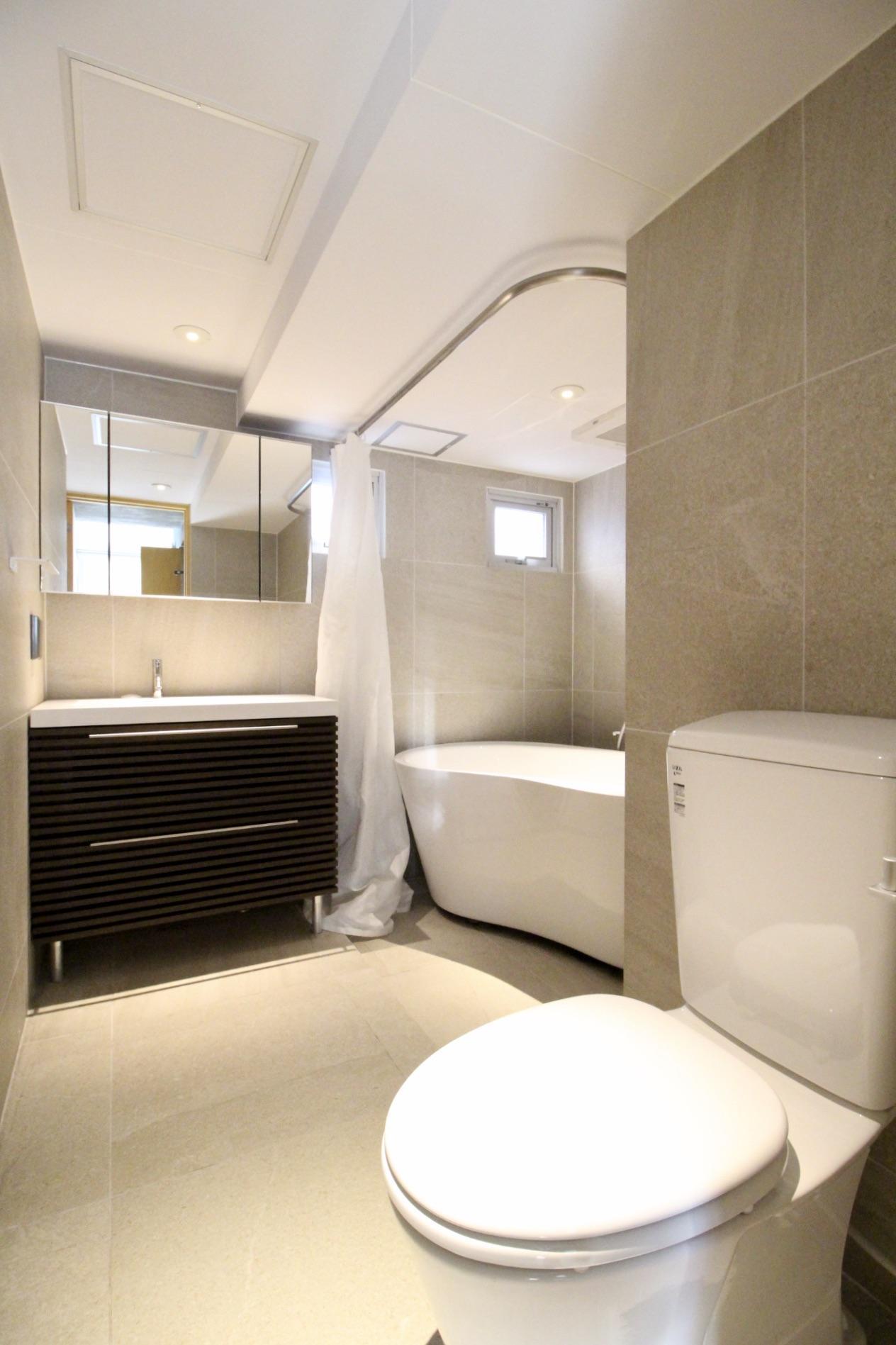 ホテルのような風呂・トイレ・洗面台(5F)
