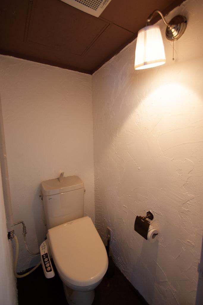 トイレも質感あり