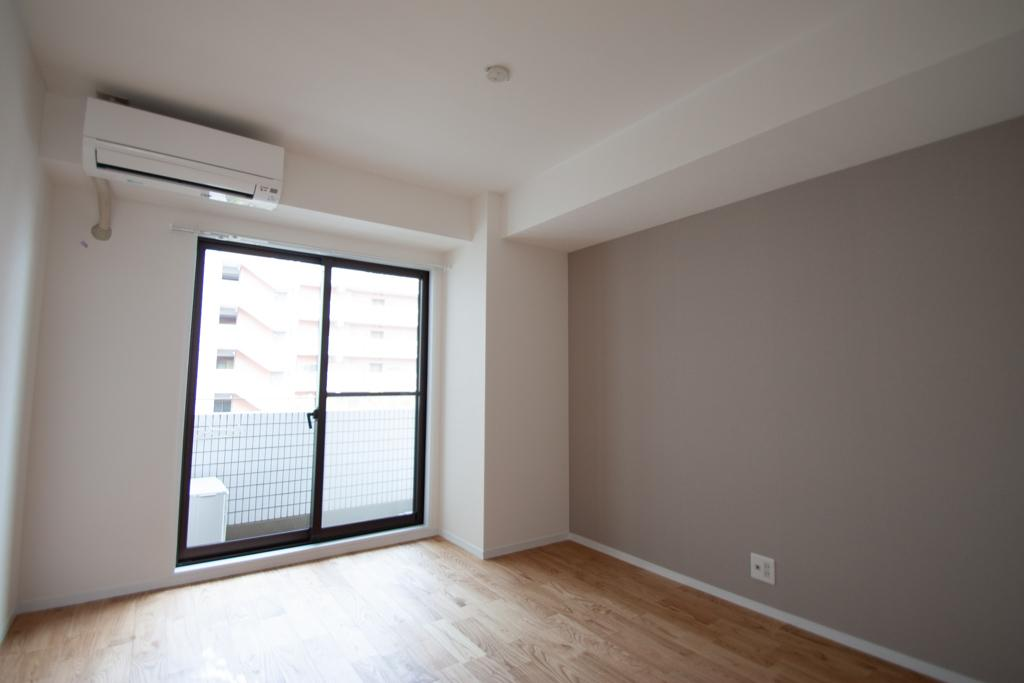 アクセントカラー壁紙の部屋