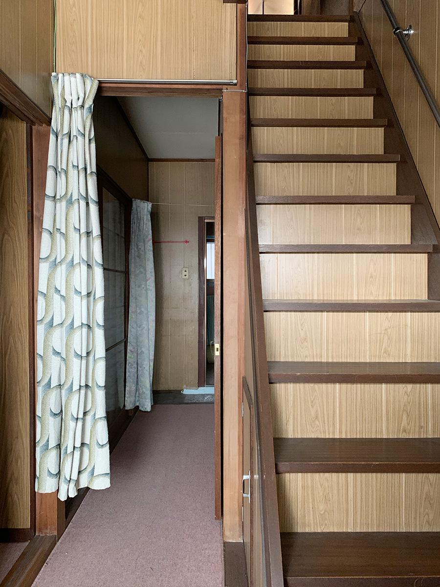 廊下と階段