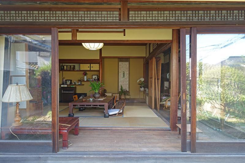 共用部、和室と縁側のリビング、屋外への開放感