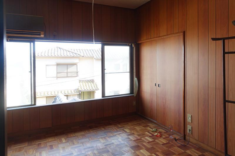 2階、4号室、洋間