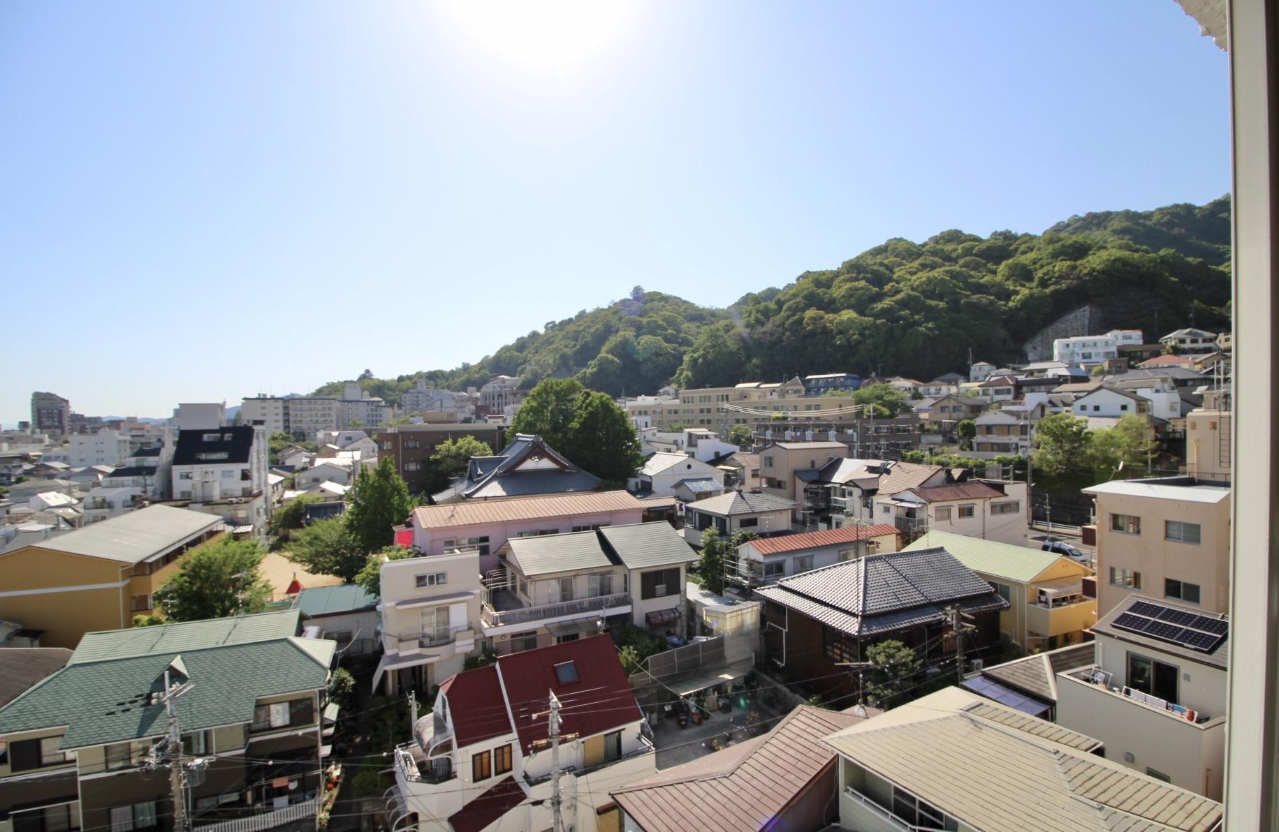 山を眺める坂暮らし (神戸市中央区山本通の物件) - 神戸R不動産
