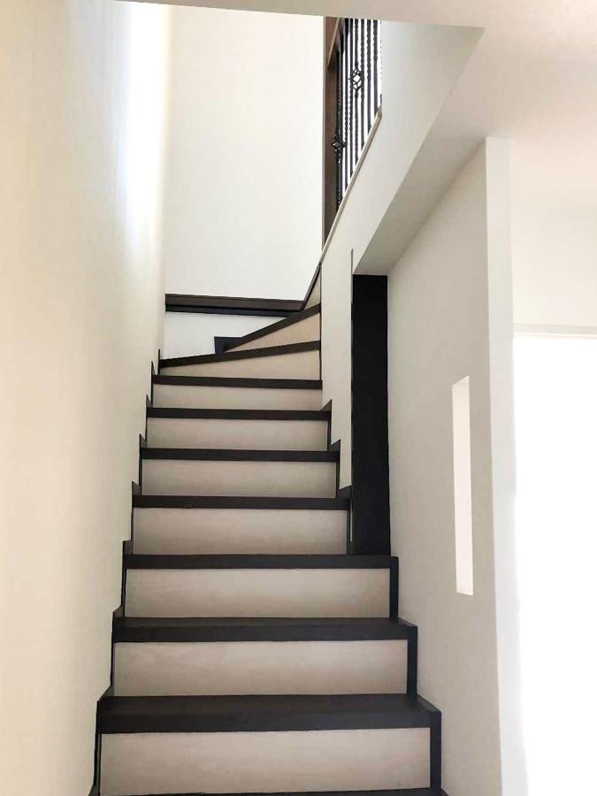 2階へ上がる