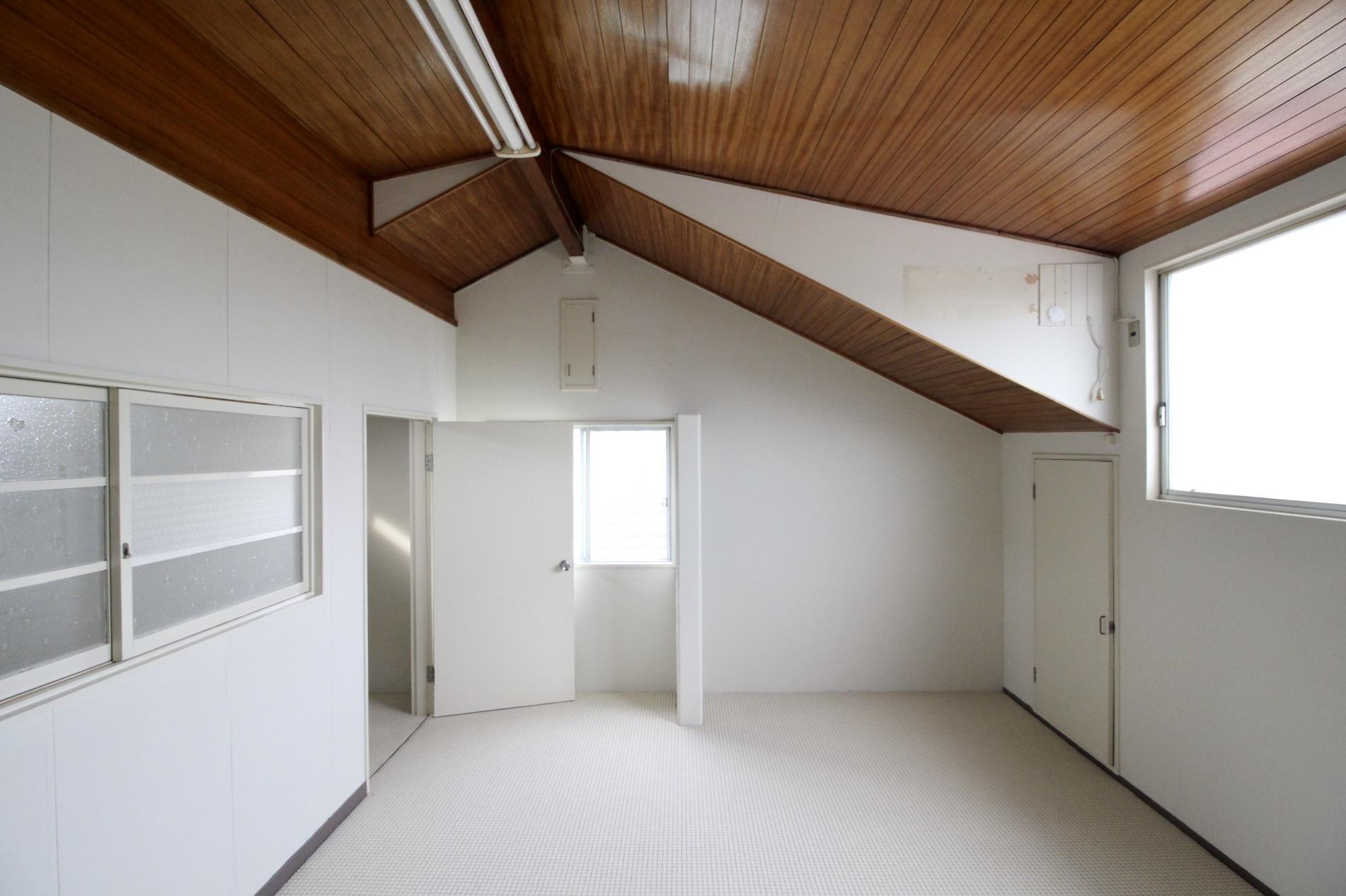 木造レトロなガーデンハウス -車庫付- (神戸市東灘区御影山手の物件) - 神戸R不動産