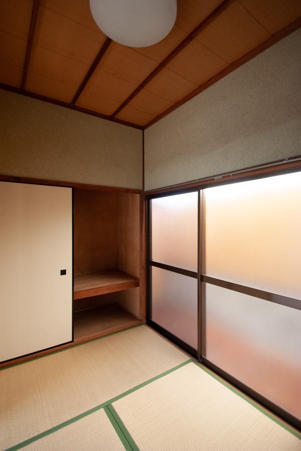 3畳の小さな和室も
