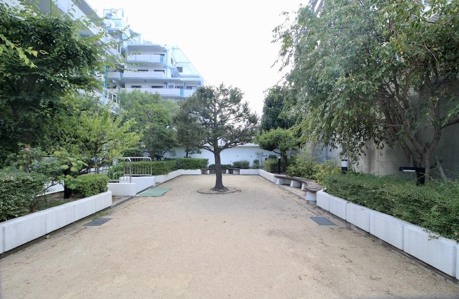 敷地内には公園も