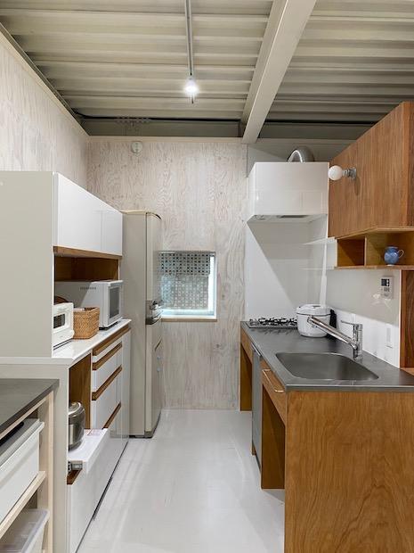 キッチン。収納たっぷりで機能性も忘れません。