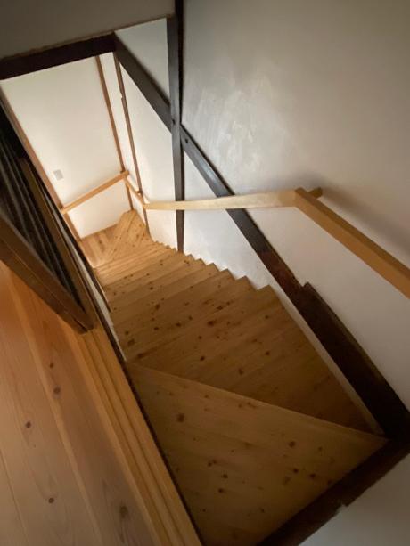 階段はかけ替えられてます