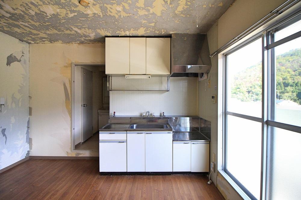 キッチンは綺麗ですが取り換える事も可能