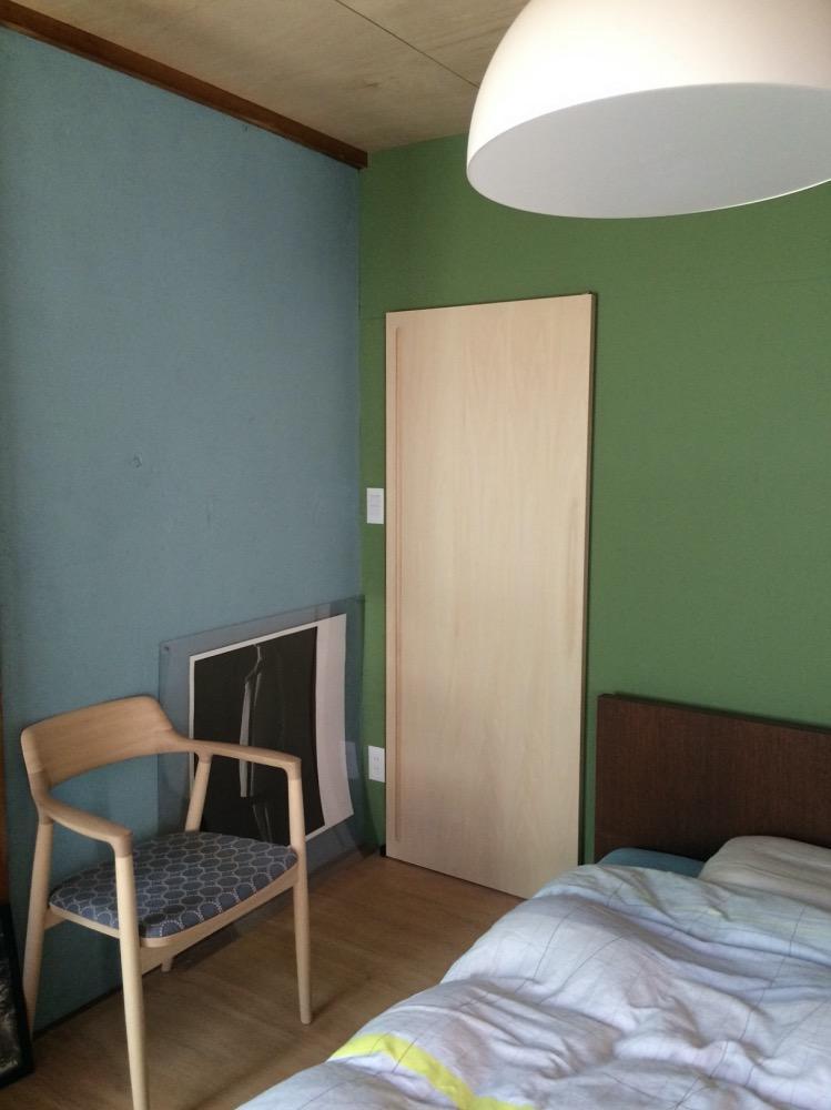 2階の寝室nの入口です。