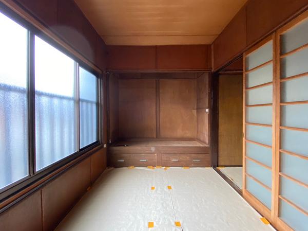 2階、南側の和室です
