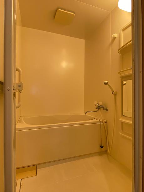 お風呂には窓ありません