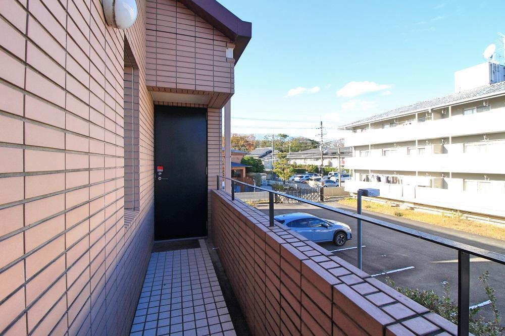 共用部から2階に直接入ることも可能
