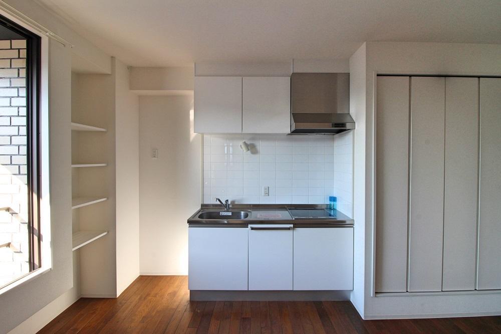 301号室:キッチンは同じくシンプルなもの