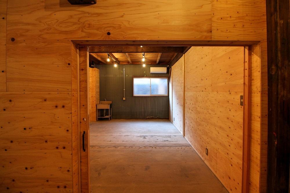 Room No3 各区画の入り口は1800×1800