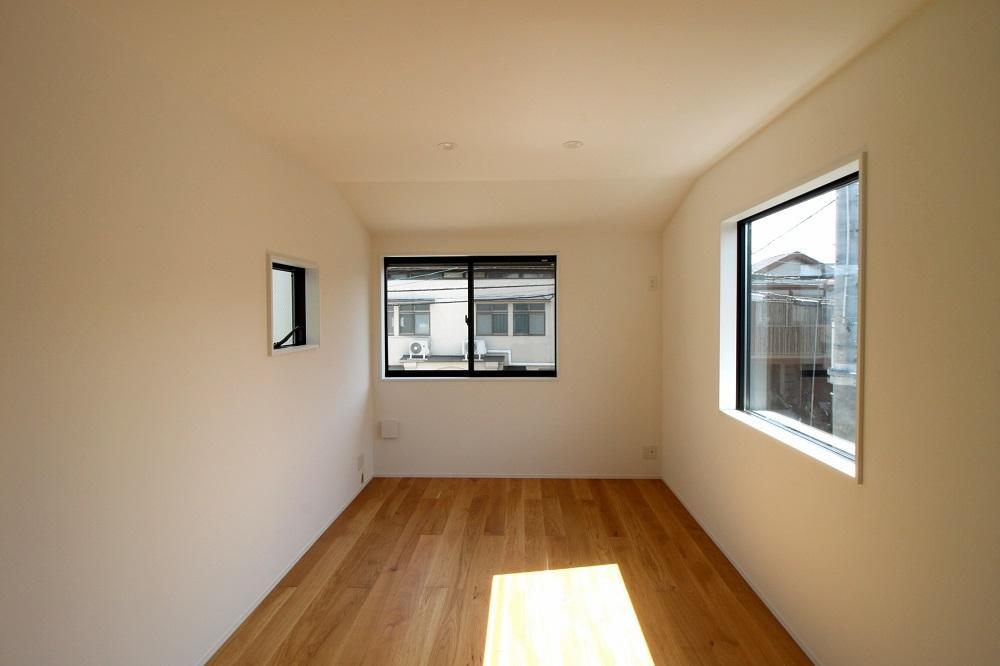 南側の洋室には窓が3面