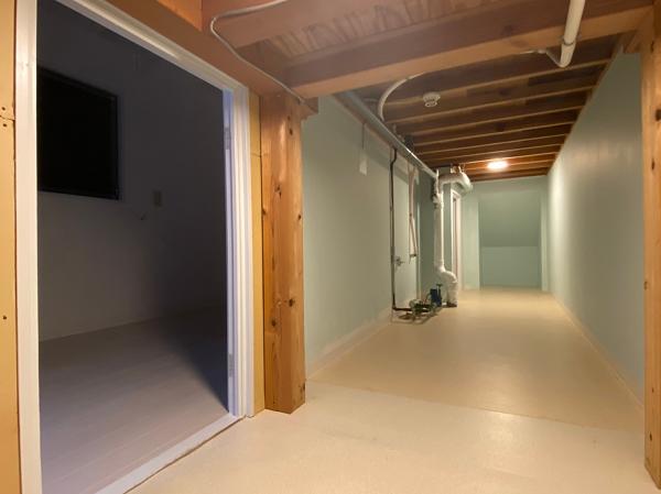 キッチン裏のトンネル空間