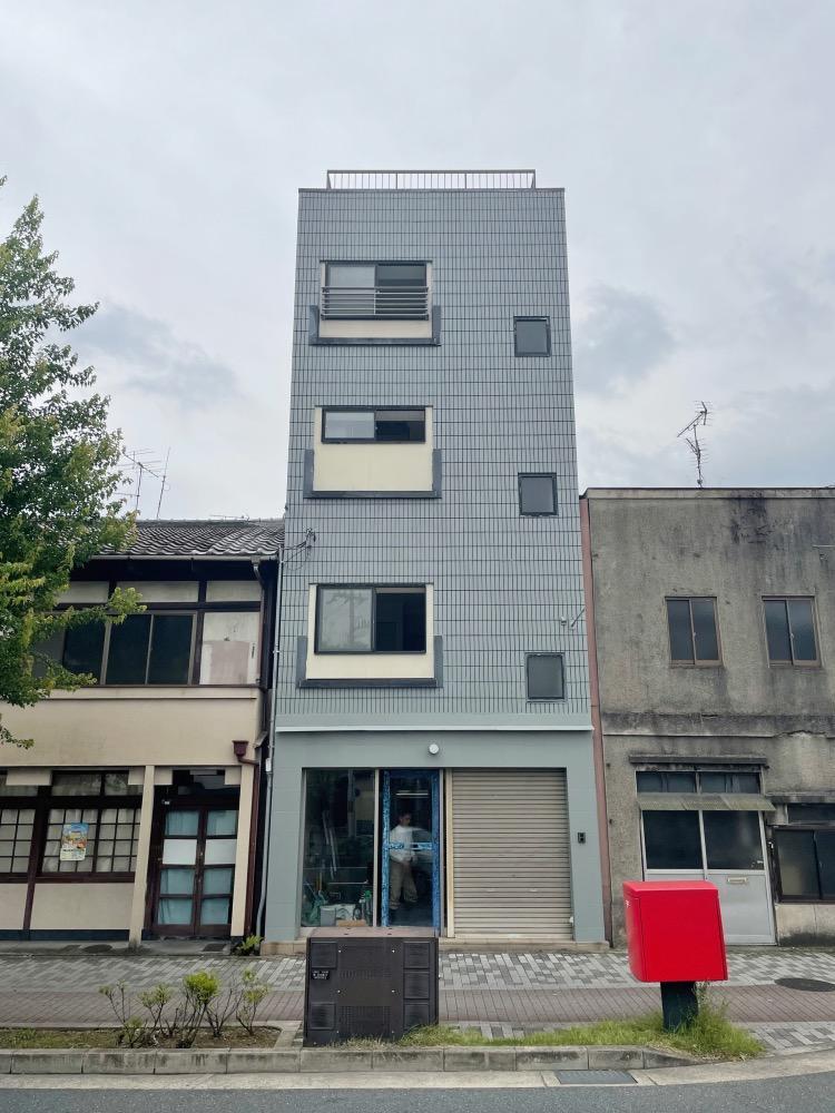 こちらが建物の外観です