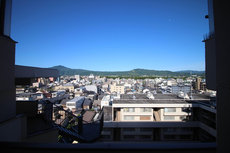比叡山と大文字山がくっきりと。