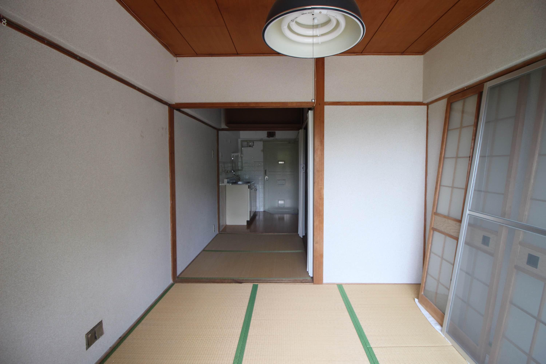 別の部屋。