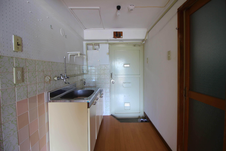 別の部屋のキッチン。