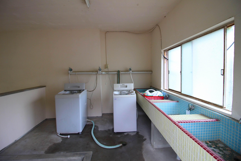 共用洗濯機(コイン式)もあります。