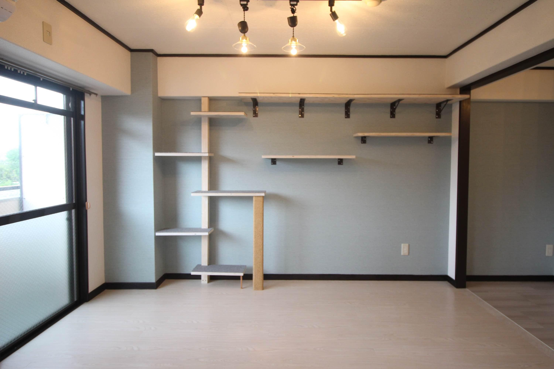 壁面はこんな感じ。(こちらは入居中の206号室)