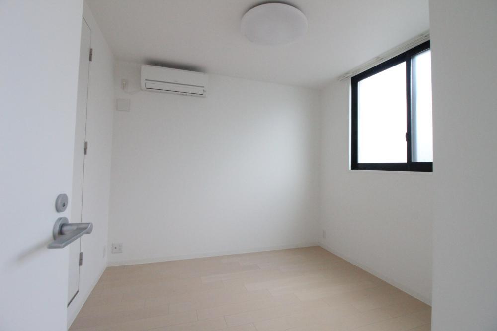 寝室。エアコン付きがうれしい。