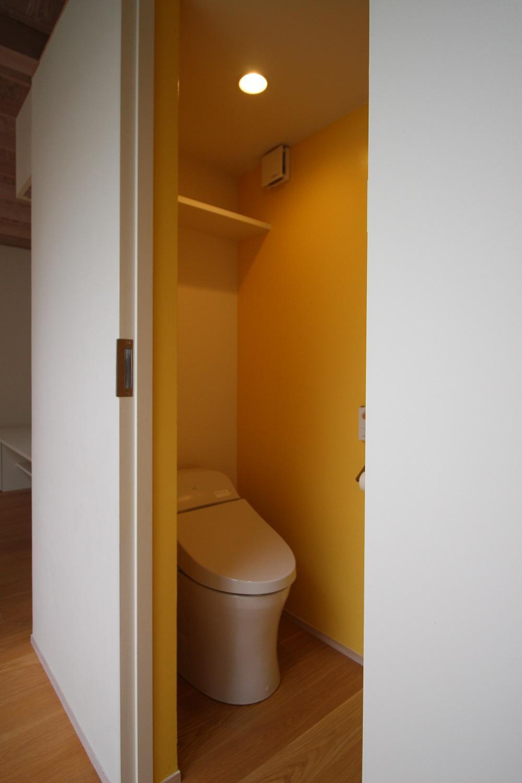 黄色いトイレ。