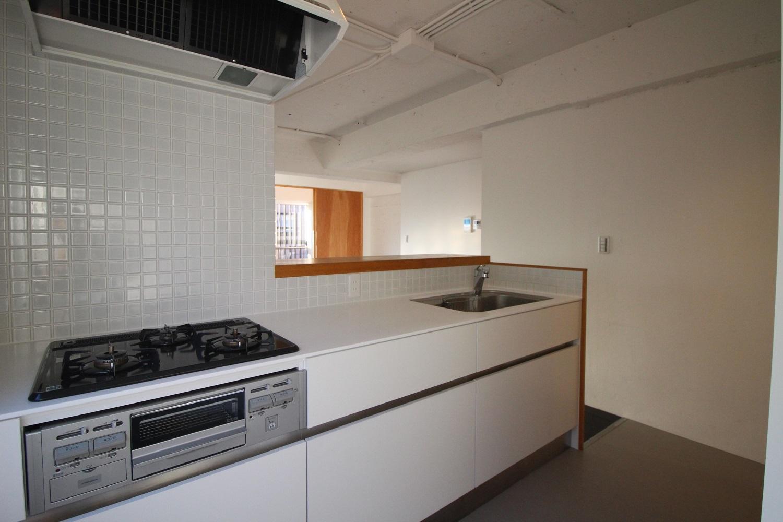 3口ガスコンロ。キッチンはこの部屋が一番大きいです。(3F)