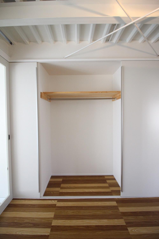 収納スペース。奥行あります。