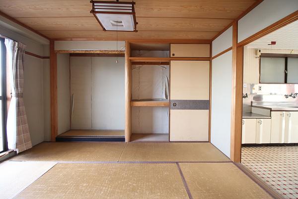 3階の和室(6畳)です