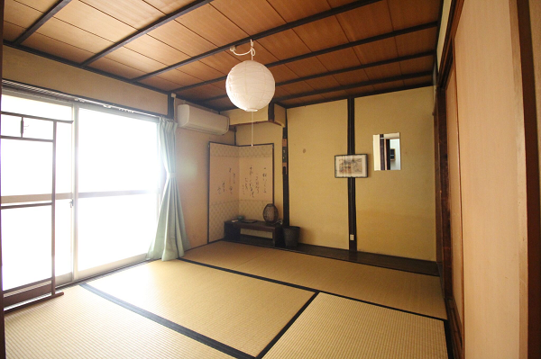 B室です。