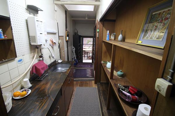 B、D室共用キッチンです。