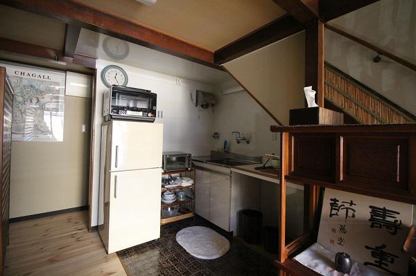 キッチンです。食器付きです。