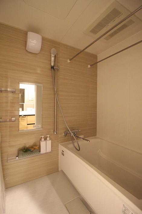 浴室暖房、乾燥機付きです。