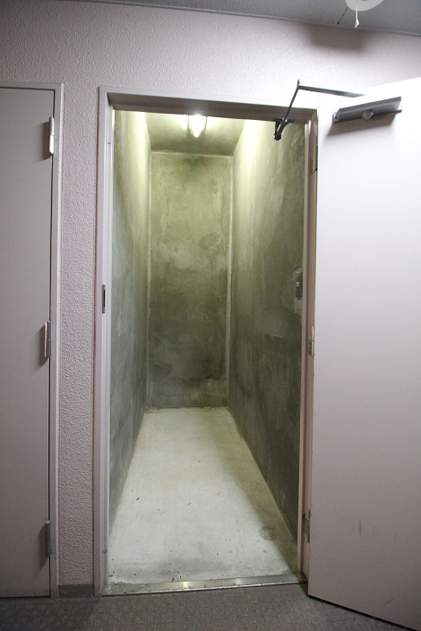 トランクルームは幅約90cm、奥行き約200cm、高さ280cmです。