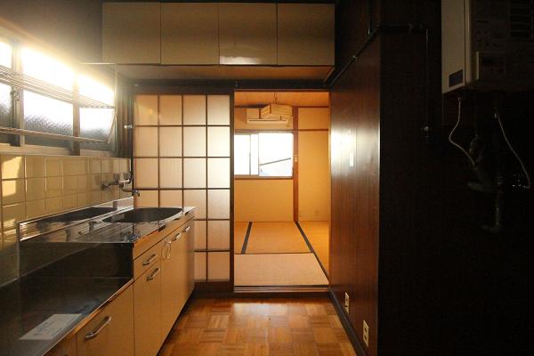 スペースのあるキッチン。