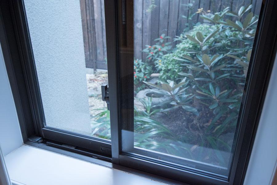 バスルームからも庭が見えます