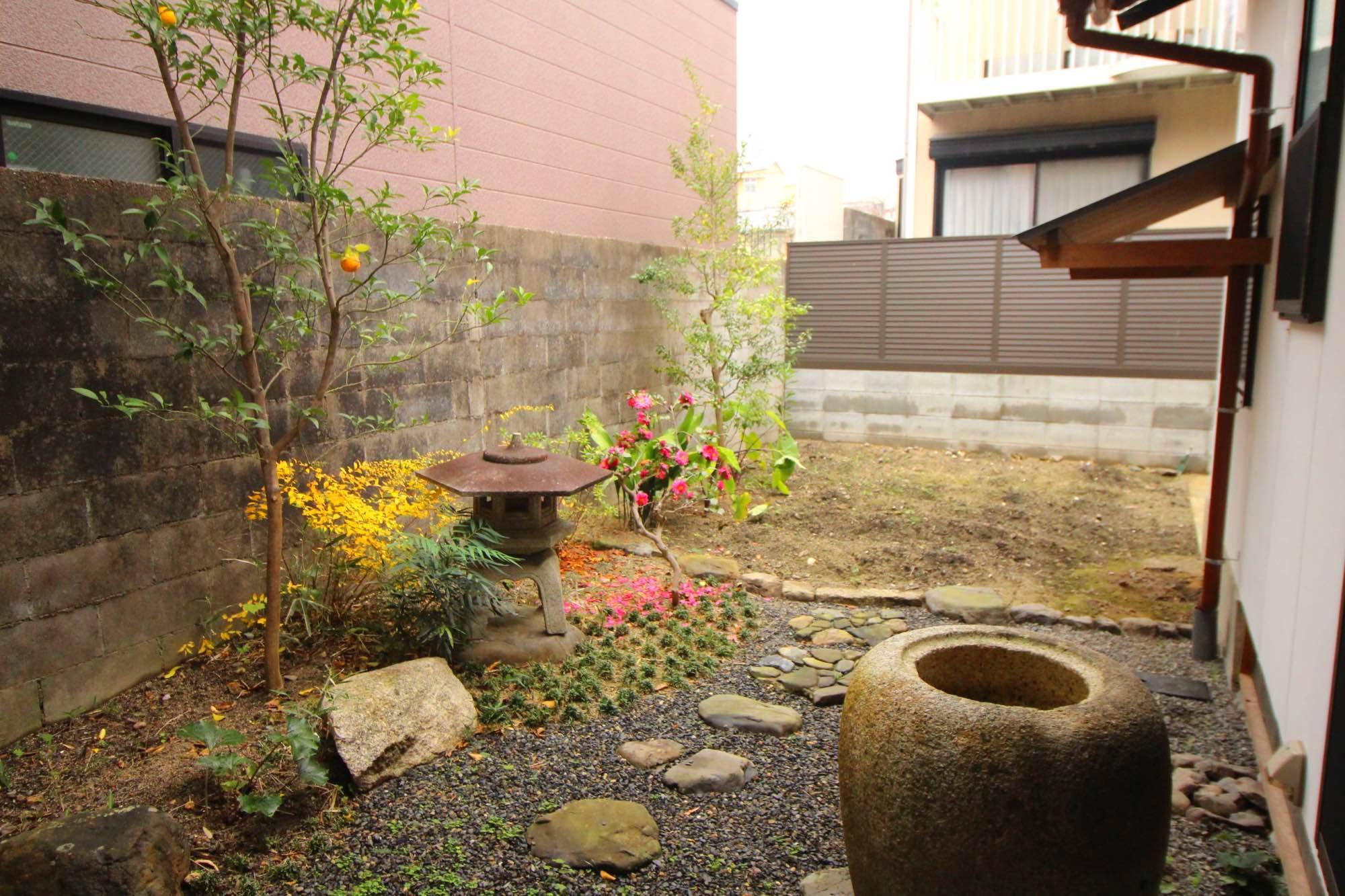 綺麗に手入れされた庭と・・・