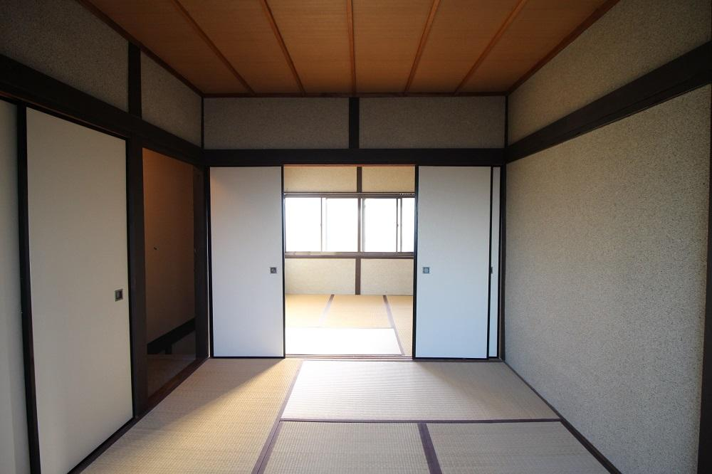 2階の連なる和室。明るく気持ちいいです。