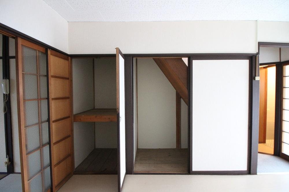 1階の収納スペース。結構入りそう。