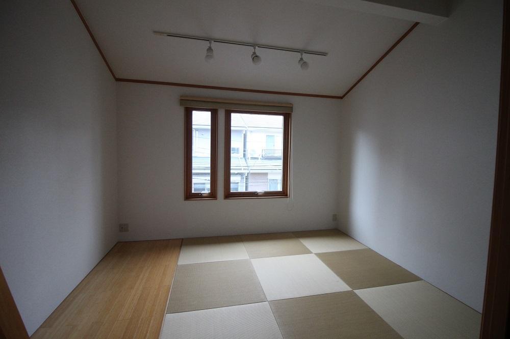 琉球畳風の和室