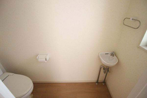 お手洗い付きのトイレです